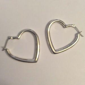 Jewelry - 𝙎𝙞𝙡𝙫𝙚𝙧 𝙥𝙡𝙖𝙩𝙚𝙙 𝙝𝙚𝙖𝙧𝙩𝙨